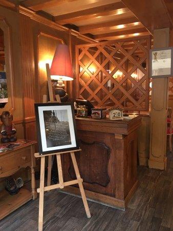 Gisors, France: L'entrée du restaurant
