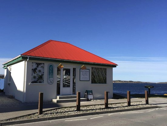 Stanley, Falkland Islands: Studio 52 Gallery & Gifts