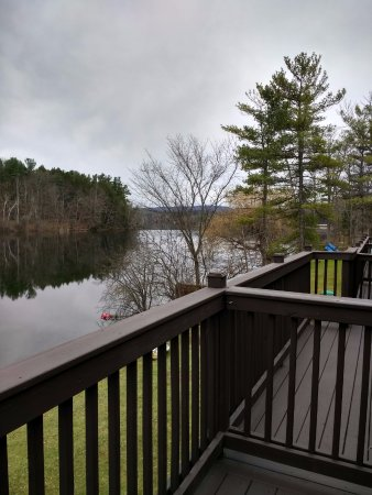 Lee, MA: Nice lake view from balcony.