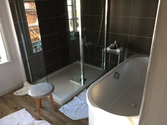 Orford, UK: Bath and shower