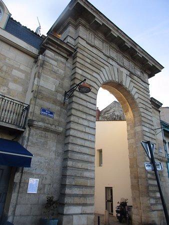Porte de la Monnaie