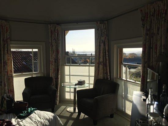 The Crown & Castle: Lovely triple bay window