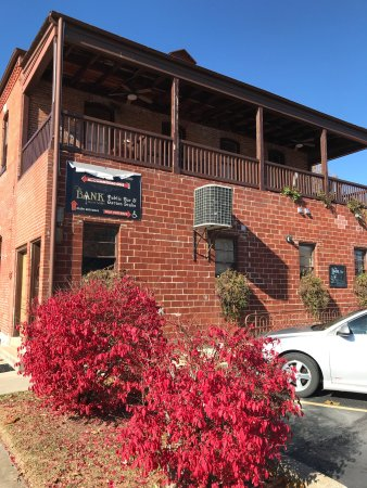 Hermann, Missouri: We really enjoyed our stay! Great location and loved the Bank Bar too.
