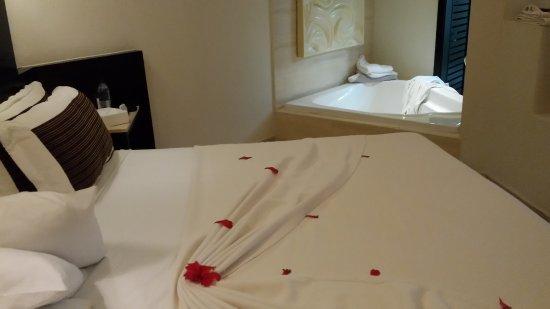 Bavaro Princess All Suites Resort, Spa & Casino: chambre avec jaccuzi