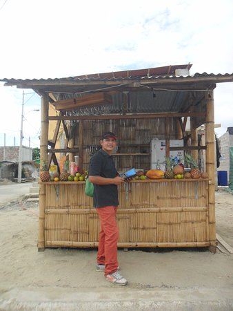 Provincia di Manabi, Ecuador: Cócteles en Canoa