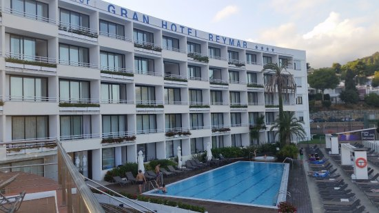 Gran Hotel Reymar & Spa: Nuestra habitacion daba a este lado y teniza una vista al mar increible.