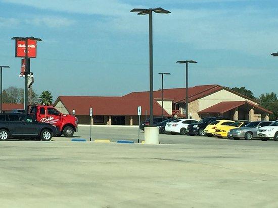 Madisonville, TX: Outside