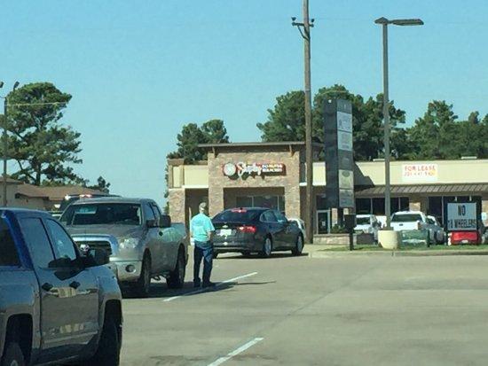 Madisonville, TX: Outside.