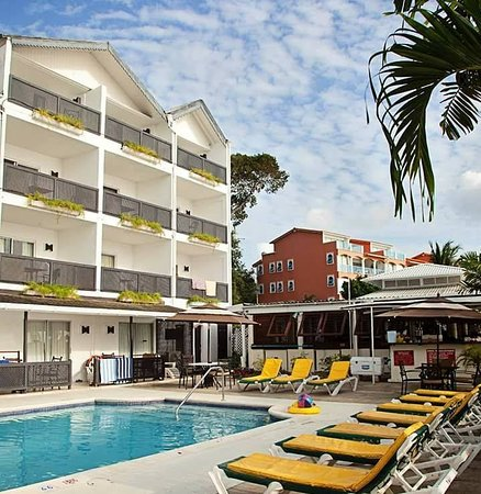 Tropical Sunset Beach Apartment Hotel Picture