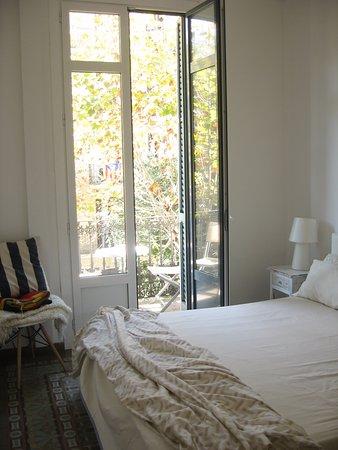 BarcelonaBB: white room