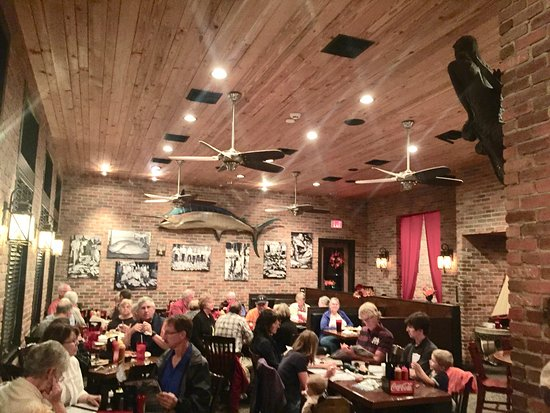 Salty Sue's: Dining Room