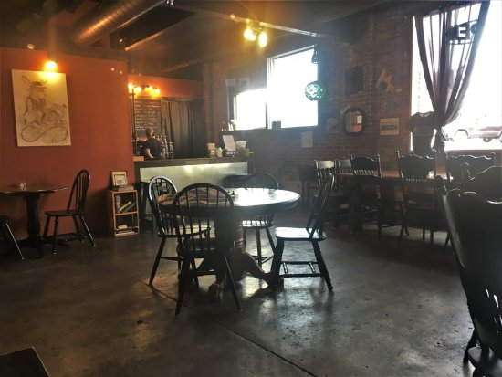 Harrisburg, IL: Steam dining room