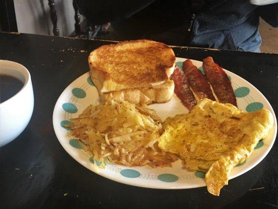 Harrisburg, IL: Breakfast platter