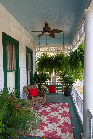Jefferson, TX: Front porch