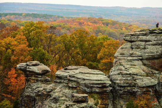 Harrisburg, IL: Fall color and Rocks, Garden of the Gods