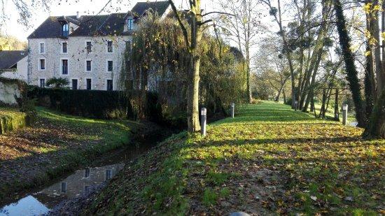 Pommeuse, Frankrig: Matinée d'automne
