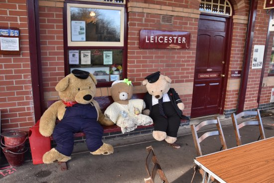 Loughborough, UK: Teddy awaiting their next turn as short of volunteers!!