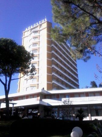Hotel augustus terme montegrotto terme provincia di padova prezzi 2017 e recensioni - Hotel mioni royal san piscine ...