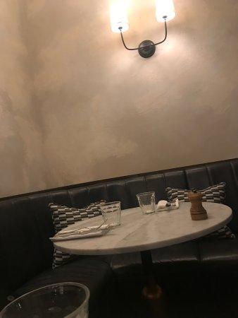 Diner at Rivié thé restaurant of Hoxton Hotel
