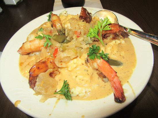 Kenner, LA: Shrimp & Stone Ground Grits, Ye Olde College Inn Restaurant & Bar, New Orleans Airport, Terminal