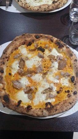 Cimitile, Italien: 20171118_215632_large.jpg