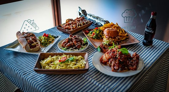 Lower Hutt, Nya Zeeland: #waffle fries #Ribs #Pasta #Burgers #Roti wraps