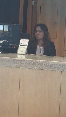 Rio Design Hotel: Srta Mariana Valle...siempre dispuesta a cualquier inquietud...
