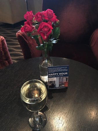Radisson Blu Saga Hotel : Convenient location, clean, awesome staff!