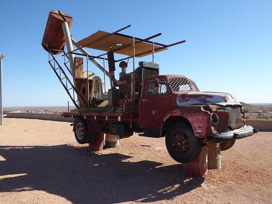 Coober Pedy, Australia: Machinery