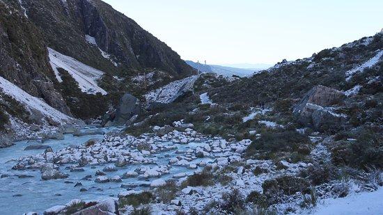 Mt. Cook Village, Neuseeland: View just after 2nd bridge, 2nd morn, Hooker Valley walk