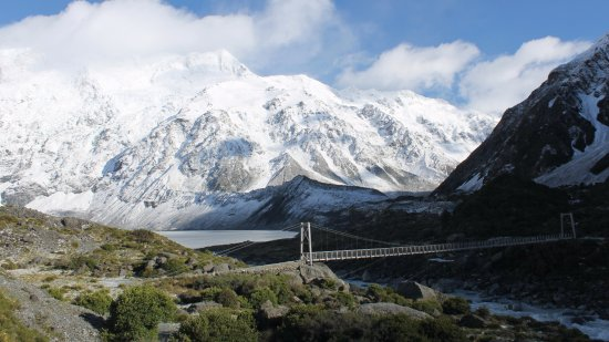 Mt. Cook Village, Nova Zelândia: Looking towards first bridge, 2nd morn, Hooker Valley walk