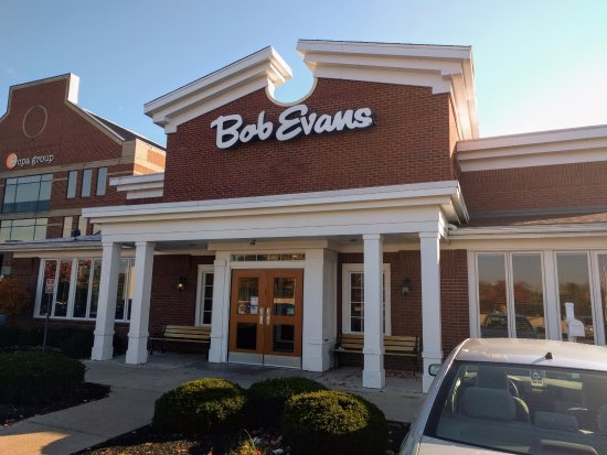 Bob Evans: Front of Restaurant