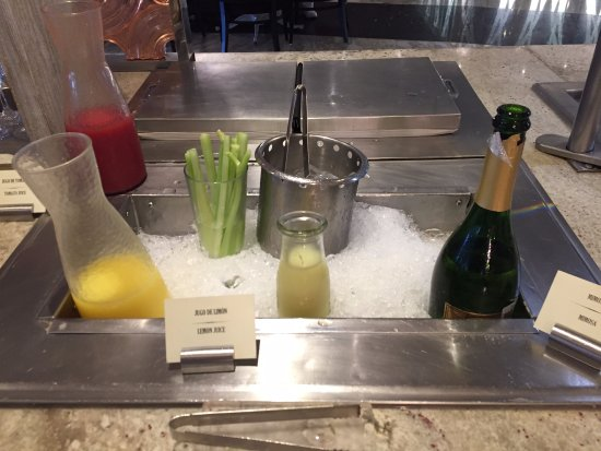 Moon Palace Cancun: Breakfast selection - mimosa to start your day