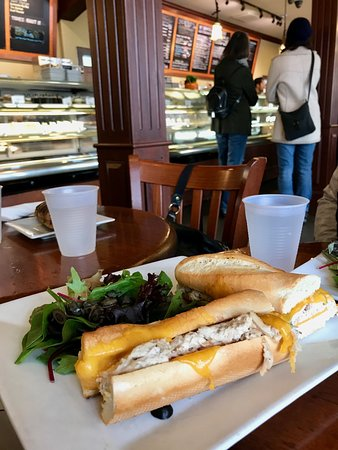 Redwood City, Californien: tuna melt with side salad - $10.50