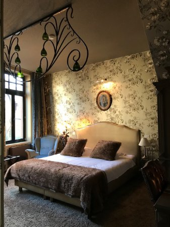 Main Street Hotel: Excellent bed