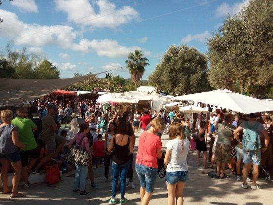 Ibiza Express Santa Eularia: HIPPY MARKET