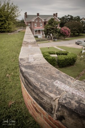 Hampton, VA: Walking along the paths on top of the mote wall