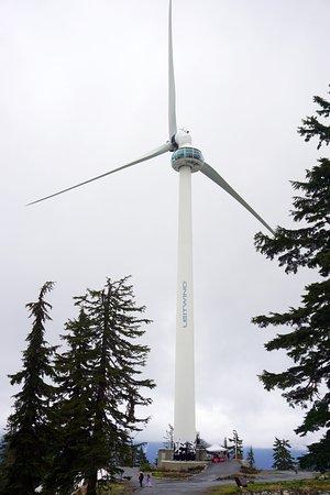 North Vancouver, Kanada: pagando você pode subir na torre deste enorme gerador eólico