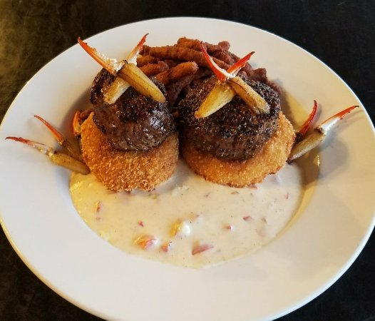 Pontotoc, MS: Tournedos on Fried cheese grits