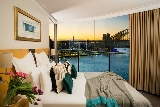 Pullman Quay Grand Sydney Harbour: Two bedroom Harbour View suite