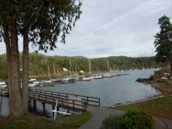 Pender Island, Canada: View From Pub