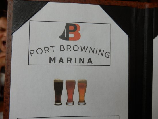 Pender Island, Canada: Pick A Cold Beer Lots To Choose From