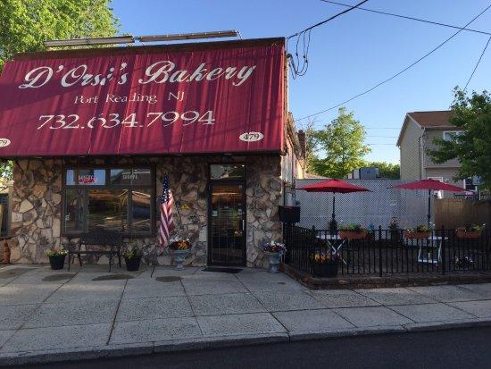 Port Reading, NJ: Dorsi's Bakery