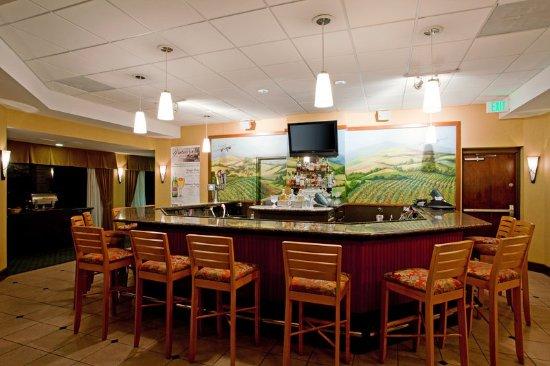 Santa Maria, CA: Vintner's Lounge