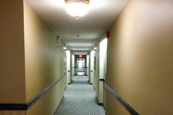 Cornwall, Canadá: Interior corridors