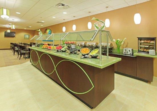 Holiday Inn Little Rock-Airport-Conf Ctr : AV8 Cafe is open every morning for breakfast.