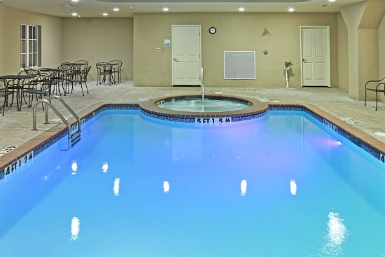 Kilgore, TX: Heated Swimming Pool and Spa