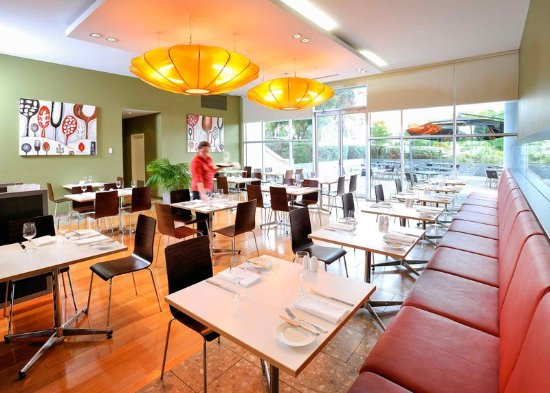 Ibis Melbourne Glen Waverley: Restaurant