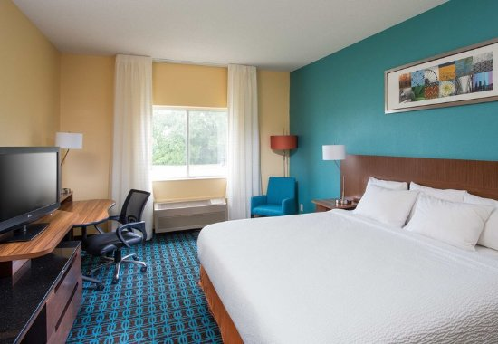 Quincy, IL: King Guest Room