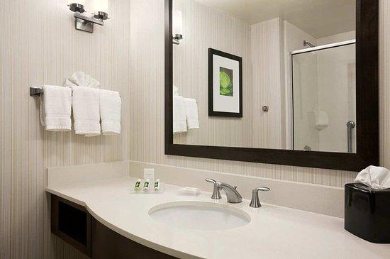 พิตต์สฟอร์ด, นิวยอร์ก: Guest Bathroom